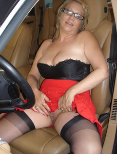 Mature amature pussy in cars